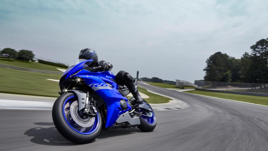 Yamaha-YZF-R6-Race-4