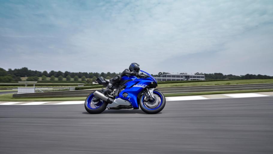 Yamaha-YZF-R6-Race-8