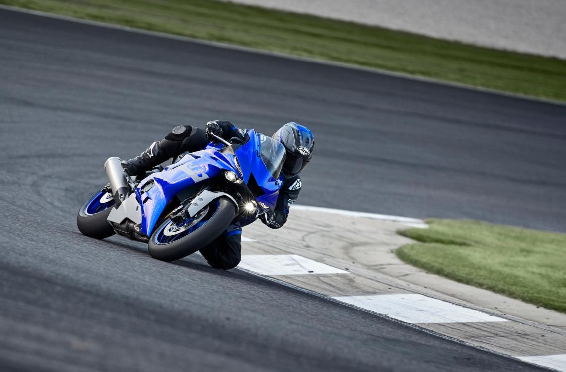Yamaha-YZF-R6-Race-9