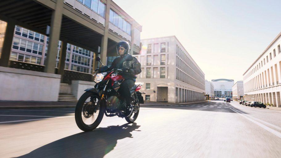 Yamaha-YS125-3