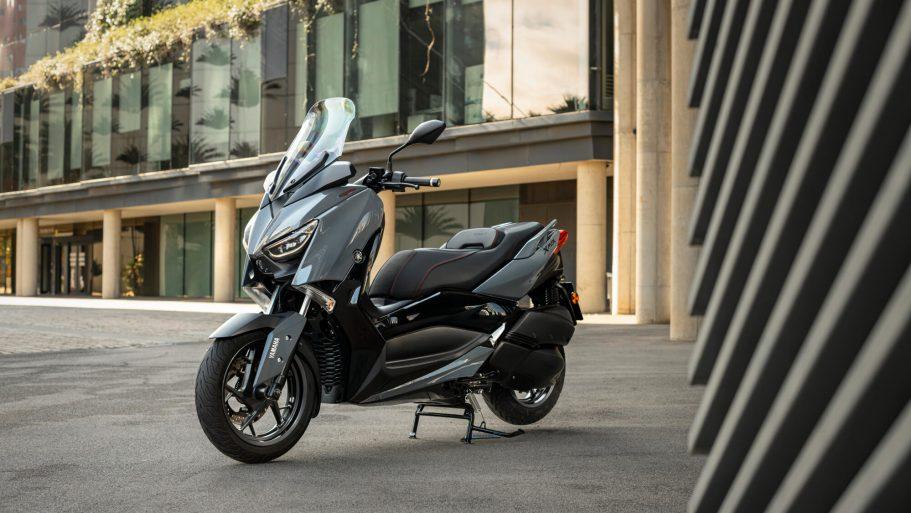 Yamaha-XMAX-300-Tech-MAX-1