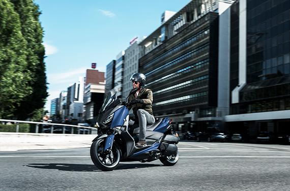 Yamaha-XMAX-300-5