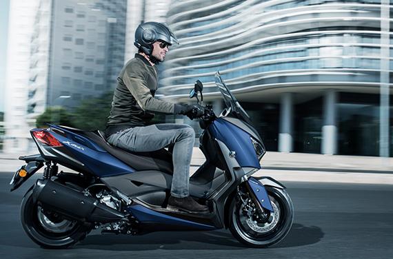 Yamaha-XMAX-300-6