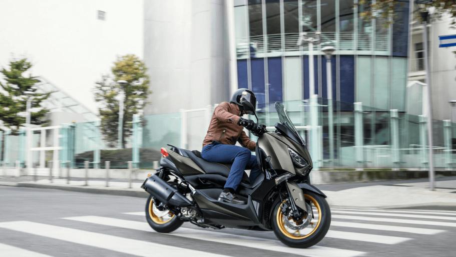 Yamaha-XMAX-300-Tech-MAX-6