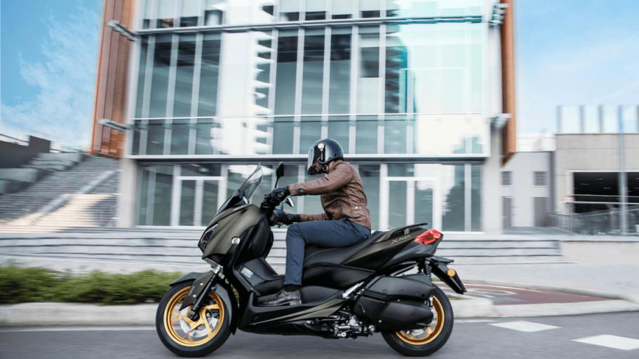Yamaha-XMAX-300-Tech-MAX-7